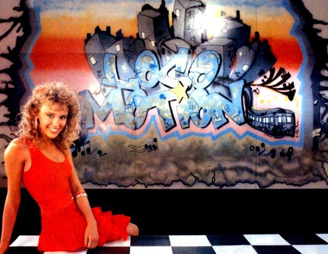Story - Kylie Minogue films Loco-motion