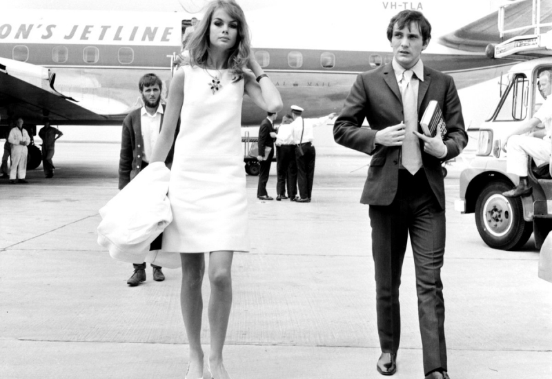 Click to enlarge. Photo of Jean Shrimpton 1965 at Essendon Airport