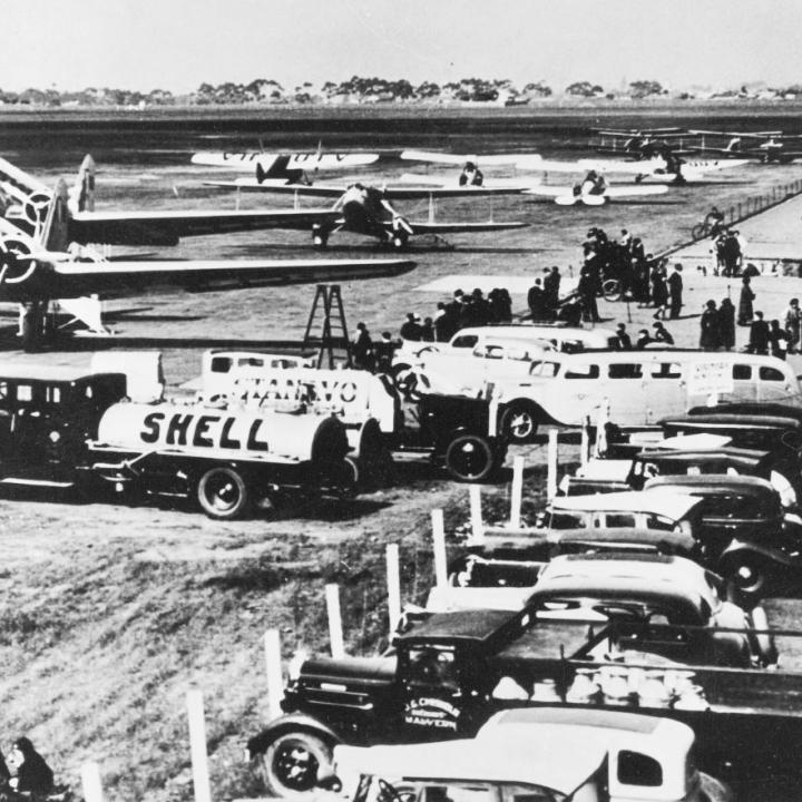 Story - Holyman's Airways (later ANA) first Douglas DC-2
