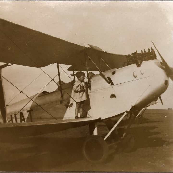 Story - My grandfather put up one of the first hangars at Essendon