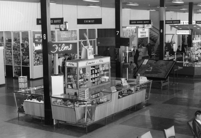 Click to enlarge. Photo supplied by CAHS of Essendon Airport Terminal 1959